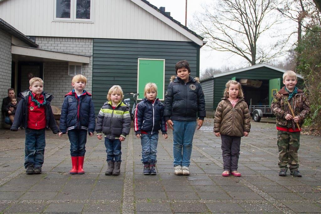 Bevers maken kerststukjes scouting admiraal kruys for Huis tuin en keuken proefjes